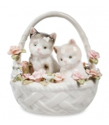 Фарфоровая статуэтка «Пара котят в цветочной корзинке»