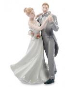Фарфоровая статуэтка «Свадебный вальс»