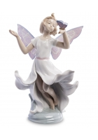 Фарфоровая статуэтка «Фея с бабочкой»