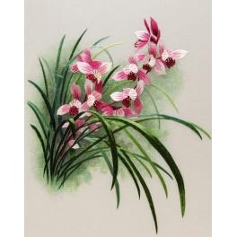 Вышитая шелковыми нитями картина «Лилейник розовый»