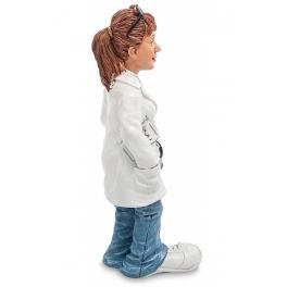 Статуэтка «Девушка-врач» из коллекции юмористических фигурок Warrena Stratforda