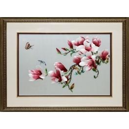 Шелковая картина «Магнолия с бабочками»