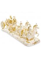 Фарфоровая статуэтка «Пара в карете»