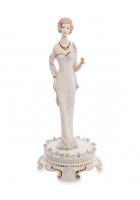 Фарфоровая статуэтка «Леди»