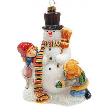 Елочная игрушка ручной работы «Игра со снеговиком»