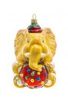 Елочная игрушка «Слон с мячиком»