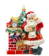 Елочная игрушка «Санта у камина»