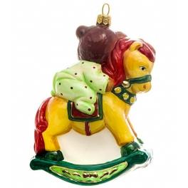Стеклянная елочная игрушка ручной работы «Мишка на коне», производство Bombki, Польша
