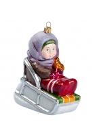 Елочная игрушка «Девочка на саночках»