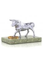 Серебряная фигурка быка «Вперед к успеху!»