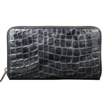 Лаковый кошелёк в подарок женщине