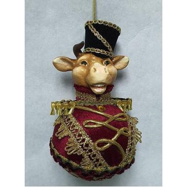 Елочное украшение в виде быка «Гусар», символ 2021 года