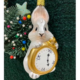 Стеклянная ёлочная игрушка «Белый кролик с часами»