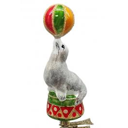 Стеклянная ёлочная игрушка «Тюлень с мячиком», 12 см