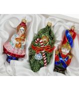Набор ёлочных игрушек «Девочка с куклой, еловая веточка и солдатик»