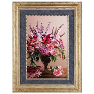 Вышитая шелковыми нитями картина «Натюрморт. Ваза с цветами»