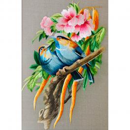 Интерьерная картина с шелковой вышивкой «Птички в пионах», 35х45 см