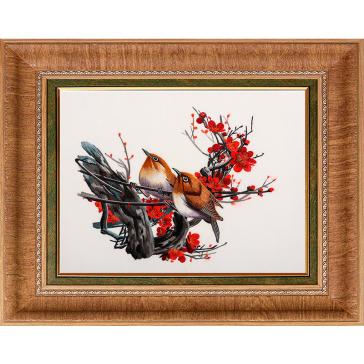 Вышитая шелковыми нитями картина «Птички на цветущей веточке»
