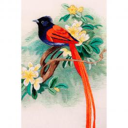 Вышитая шелковыми нитями картина «Птичка на цветущей веточке»