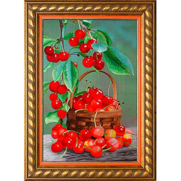 Вышитая картина «Натюрморт с вишней» в интерьерной раме