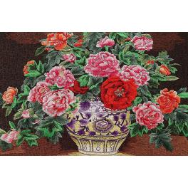 Вышитая шелковыми нитями картина «Элегантность пионов»
