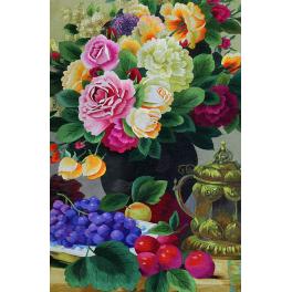 Вышитая шелковыми нитями картина «Натюрморт с пионами»
