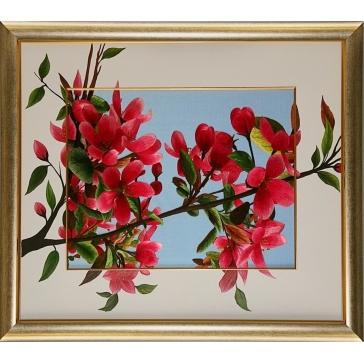 Вышитая шелковыми нитями картина «Цветущая ветка сакуры» с подрисовкой