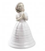 Фарфоровая статуэтка «Первое причастие»