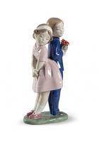 Фарфоровая статуэтка «Цветы для тебя»
