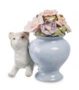 Фарфоровая статуэтка «Котенок около вазы»