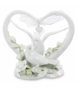 Фарфоровая статуэтка «Пара голубей в сердце»