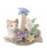 Фарфоровая статуэтка «Котенок в корзинке»