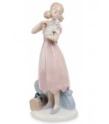 Фарфоровая статуэтка «Девушка с котенком»