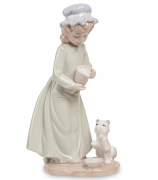 Фарфоровая статуэтка «Девочка с котенком»