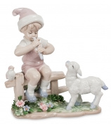 Фарфоровая статуэтка «Мальчик и ягненок»