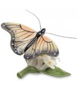 Фарфоровая статуэтка «Бабочка в цветах»