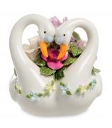 Фарфоровая музыкальная статуэтка «Любовь и верность»