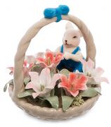 Фарфоровая статуэтка «Мышонок в цветочной корзинке»
