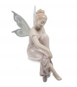 Фарфоровая статуэтка «Мечтающая фея» (на полку)
