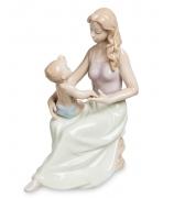 Фарфоровая статуэтка «Мамина забота»