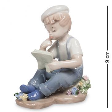 Фарфоровая статуэтка «Мальчик», высота 9 см