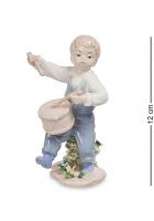 Фарфоровая статуэтка «Мальчик с барабаном»