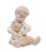 Фарфоровая статуэтка «Юный доктор»