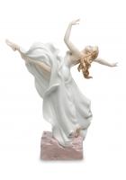 Фарфоровая статуэтка «Нежность в танце»
