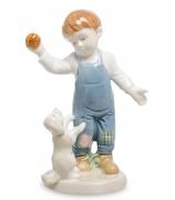 Фарфоровая статуэтка «Мальчик со щенком»