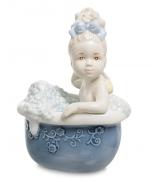 Фарфоровая статуэтка «Водные процедуры»