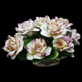 Фарфоровая статуэтка «Корзина с розами»