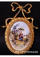 Настенный медальон из фарфора