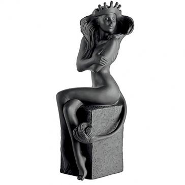 Фарфоровая статуэтка «Лев» (цвет черный)