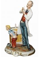 Фарфоровая статуэтка «Детский врач»